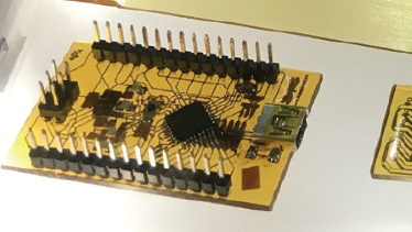 A 3D printer that can be used to create embedded circuit boards-01
